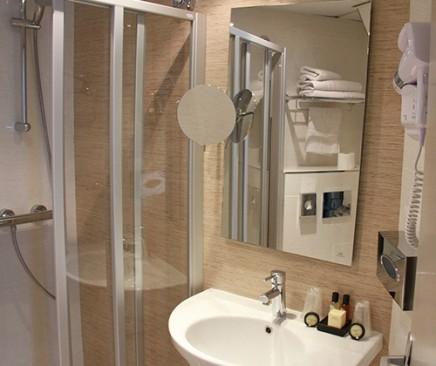 r novation salles de bains habitat confort pau biarritz. Black Bedroom Furniture Sets. Home Design Ideas
